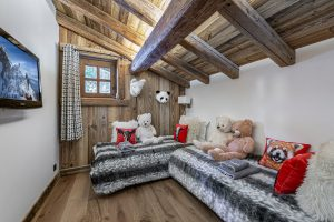 chalet_crystal_white_38