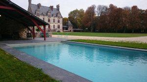 chateau-coislin-piscine-chateau