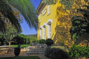 Villa De La Croix