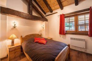 tanniere-des-ours-bedroom1